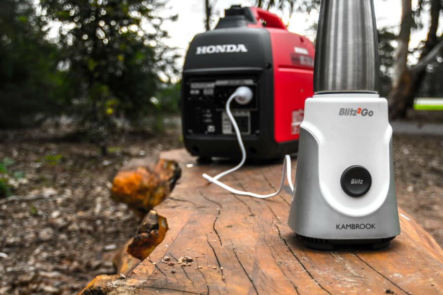 Honda Generator EU20i with Blender