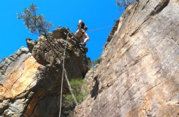 Learnng to abseil with Hangin Out
