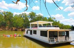 Houseboat_Murray_River_VIC