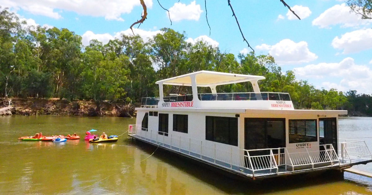 Magnificent Essential Guide To Houseboat Hire In Echuca Adventureme Download Free Architecture Designs Scobabritishbridgeorg